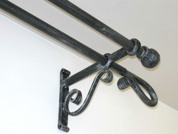 Complementi arredo in ferro battuto mobili ferro for Oggetti d arredo particolari